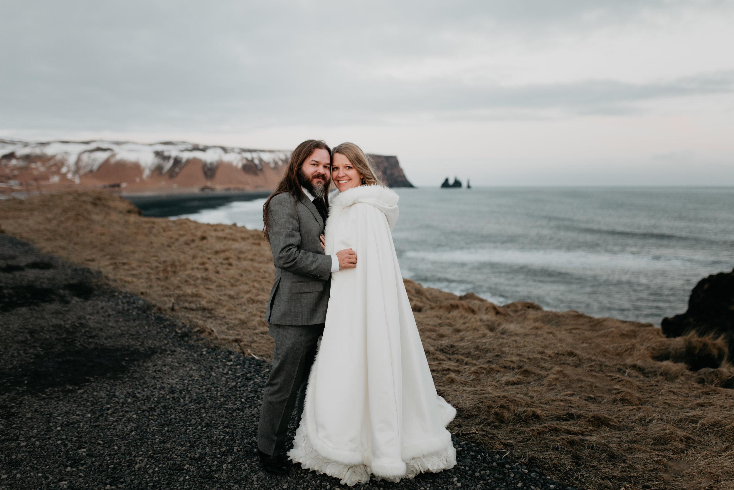 nicole-daacke-photography-iceland-winter-sunset-adventure-elopement-skogafoss-waterfall-black-sand-beach-dyrholaey-vik-iceland-intimate-wedding-black-church-elopement-photographer-51.jpg