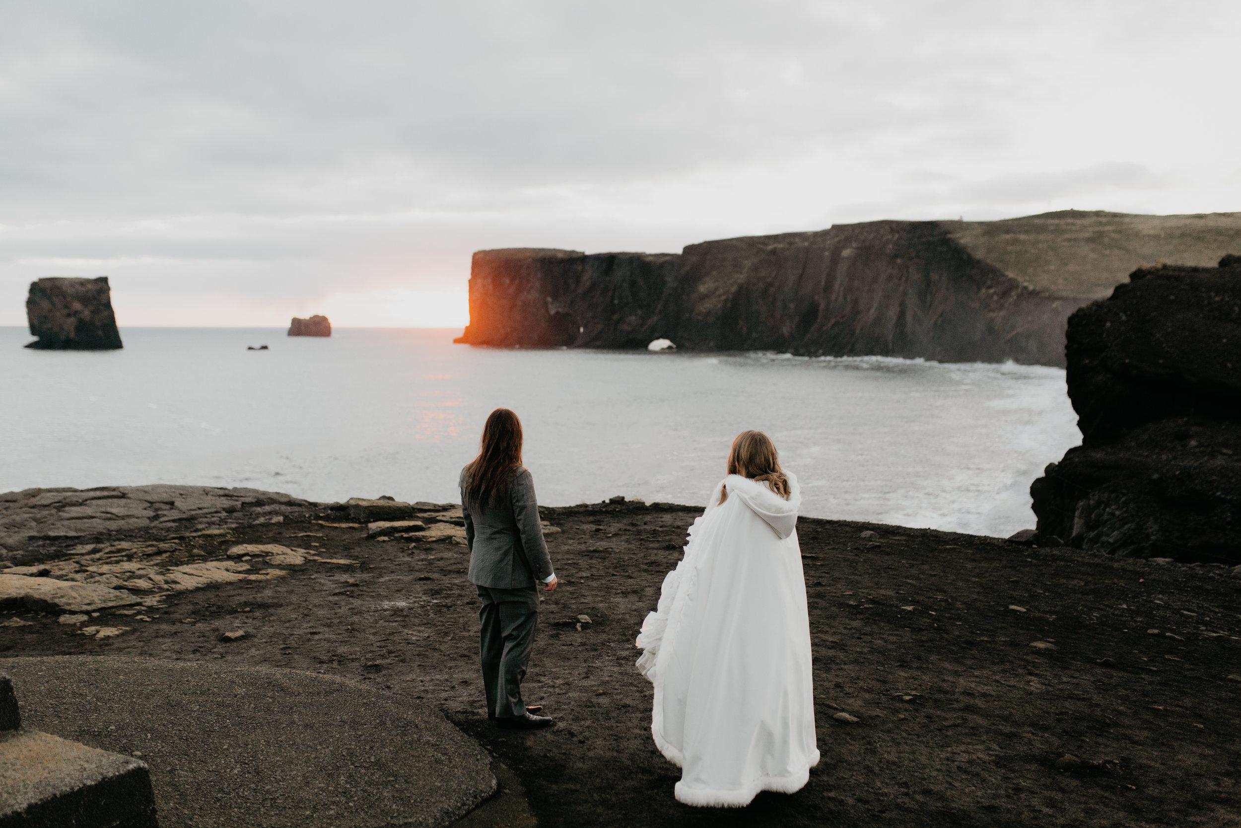 nicole-daacke-photography-iceland-winter-sunset-adventure-elopement-skogafoss-waterfall-black-sand-beach-dyrholaey-vik-iceland-intimate-wedding-black-church-elopement-photographer-54.jpg
