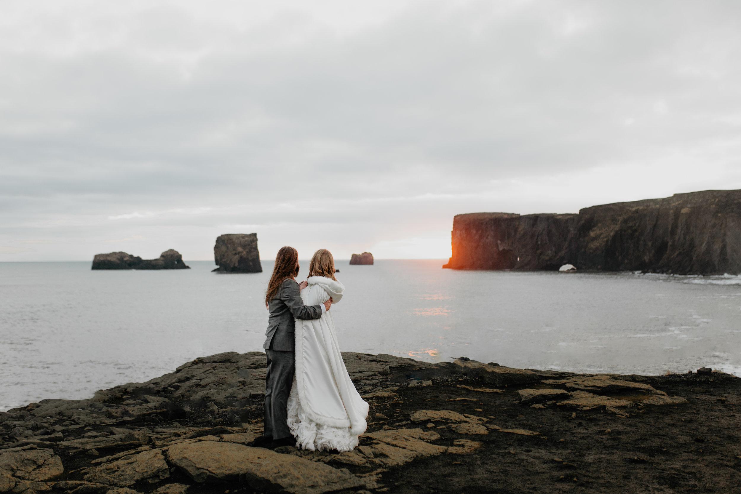 nicole-daacke-photography-iceland-winter-sunset-adventure-elopement-skogafoss-waterfall-black-sand-beach-dyrholaey-vik-iceland-intimate-wedding-black-church-elopement-photographer-55.jpg