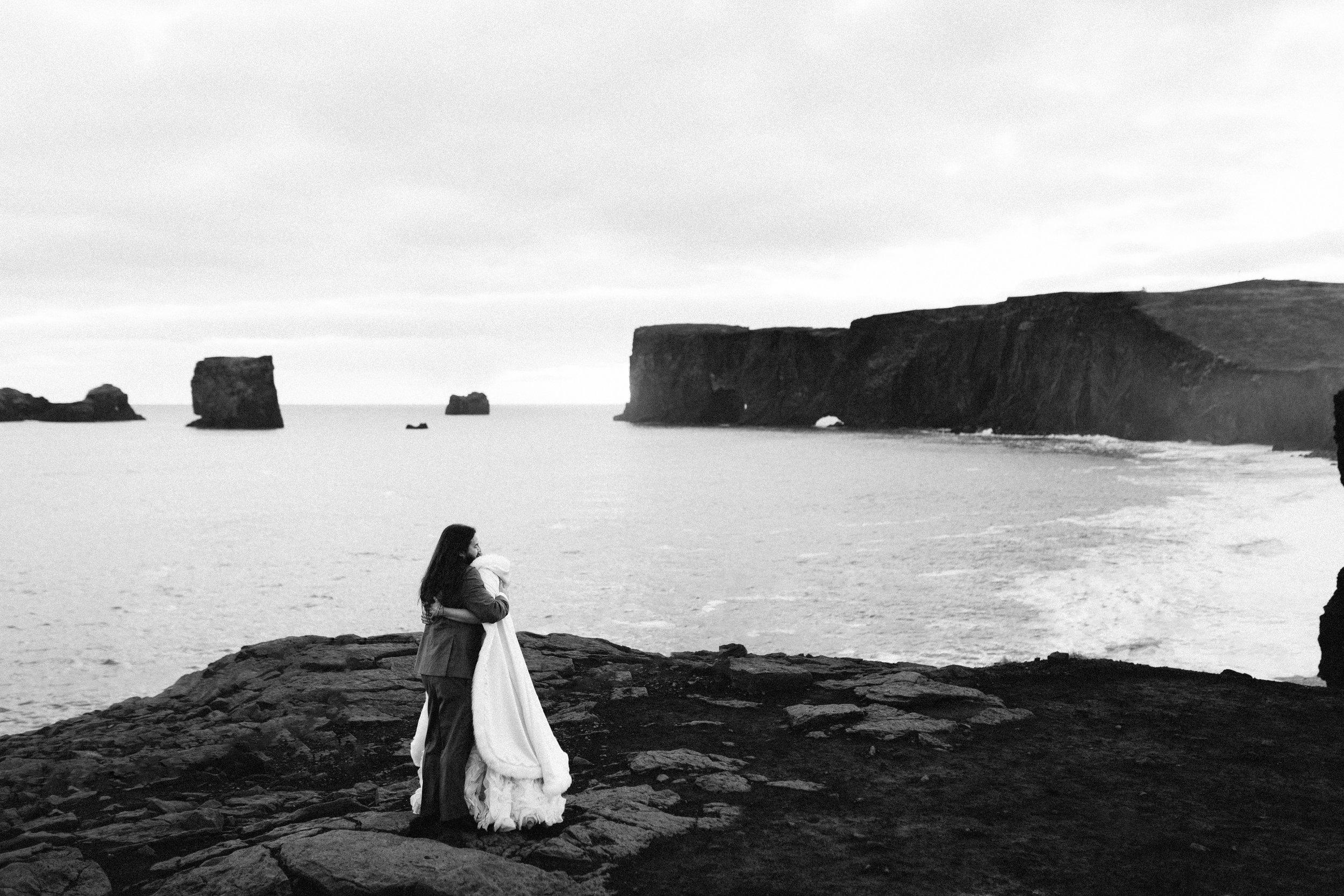 nicole-daacke-photography-iceland-winter-sunset-adventure-elopement-skogafoss-waterfall-black-sand-beach-dyrholaey-vik-iceland-intimate-wedding-black-church-elopement-photographer-56.jpg