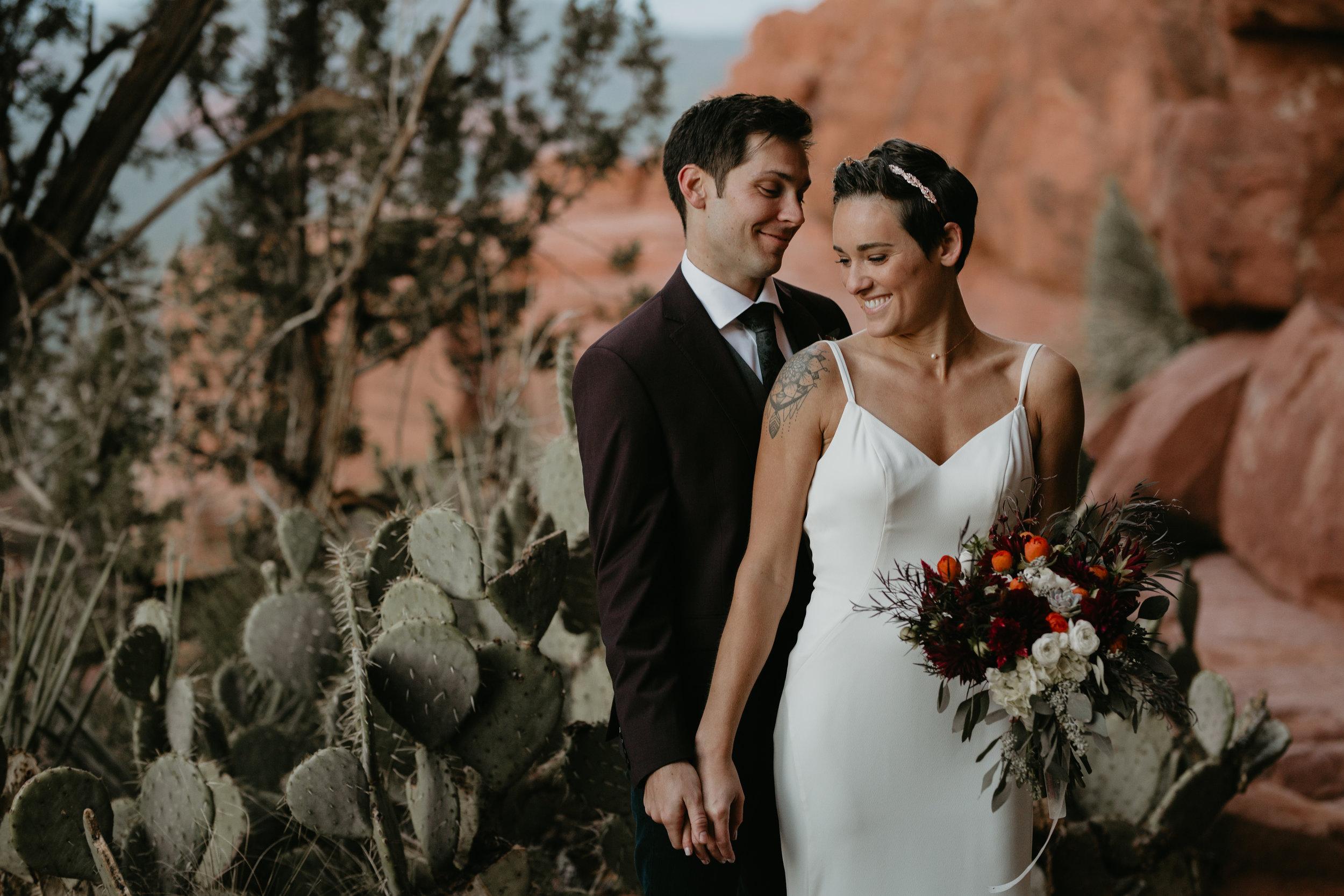 nicole-daacke-photography-sedona-arizona-adventurous-elopement-adventure-elope-photographer-cathedral-rock-sedona-vortex-intimate-wedding-hiking-elopement-photographer-15.jpg