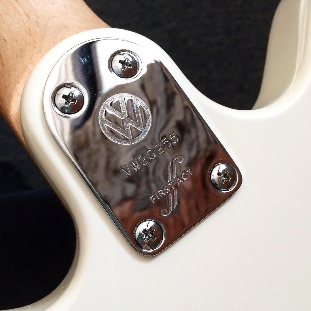 volkswagen guitar 3.jpg