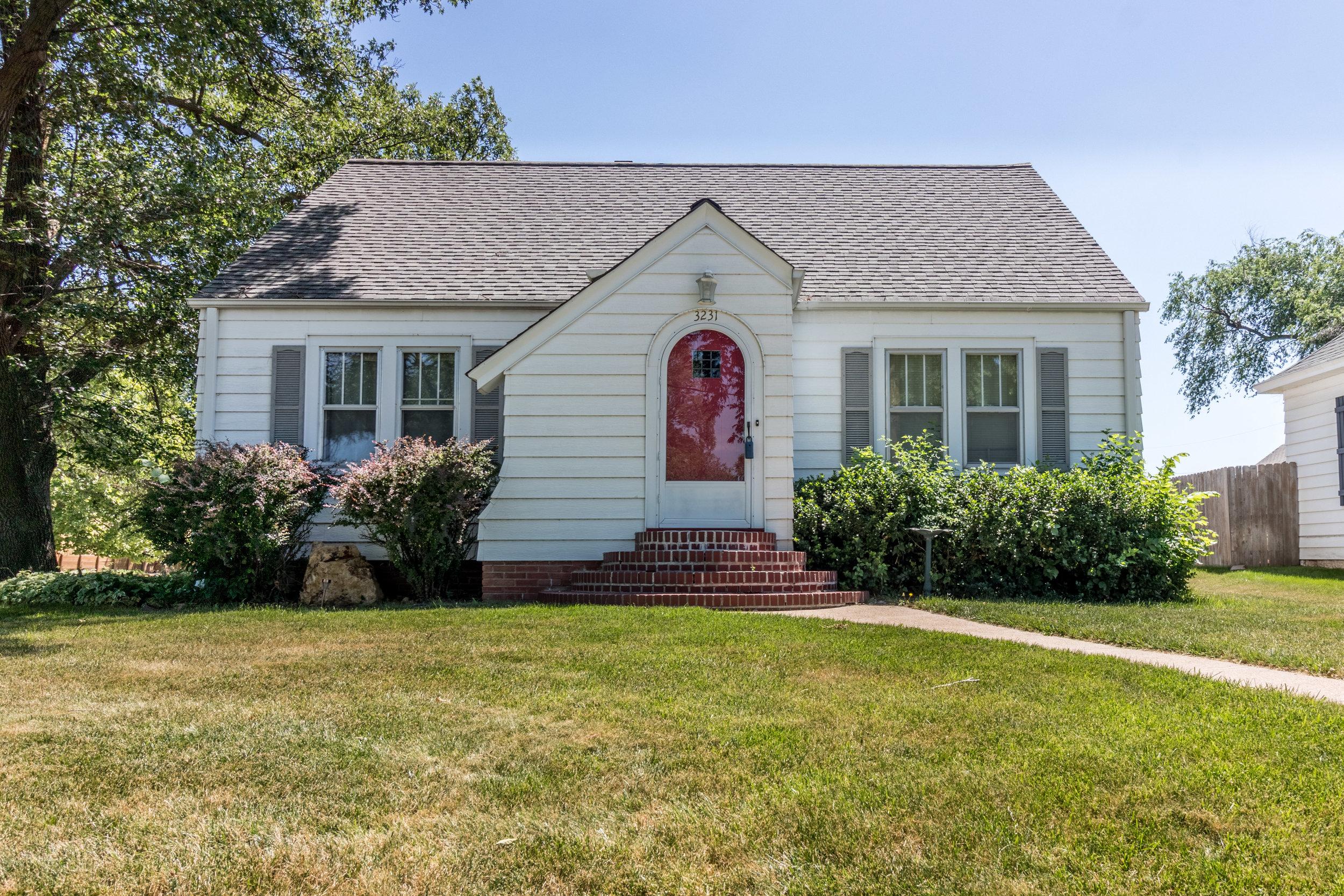 Elkhorn Gem - 3231 N 205th Street | Elkhorn | $195,000