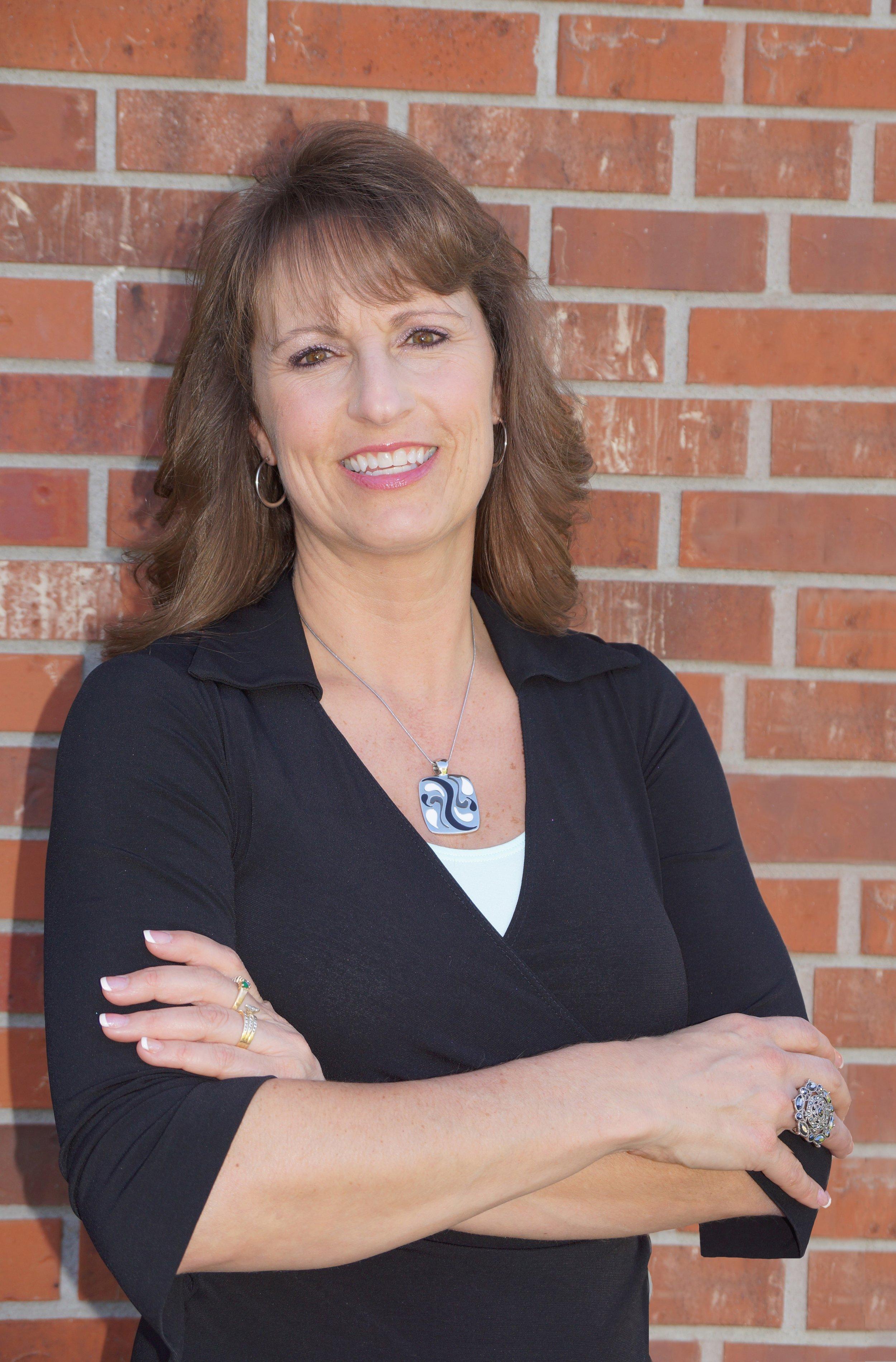 Julie Daugherty-Braun Tag Team - Berkshire Hathaway Home Services Ambassador Real Estate