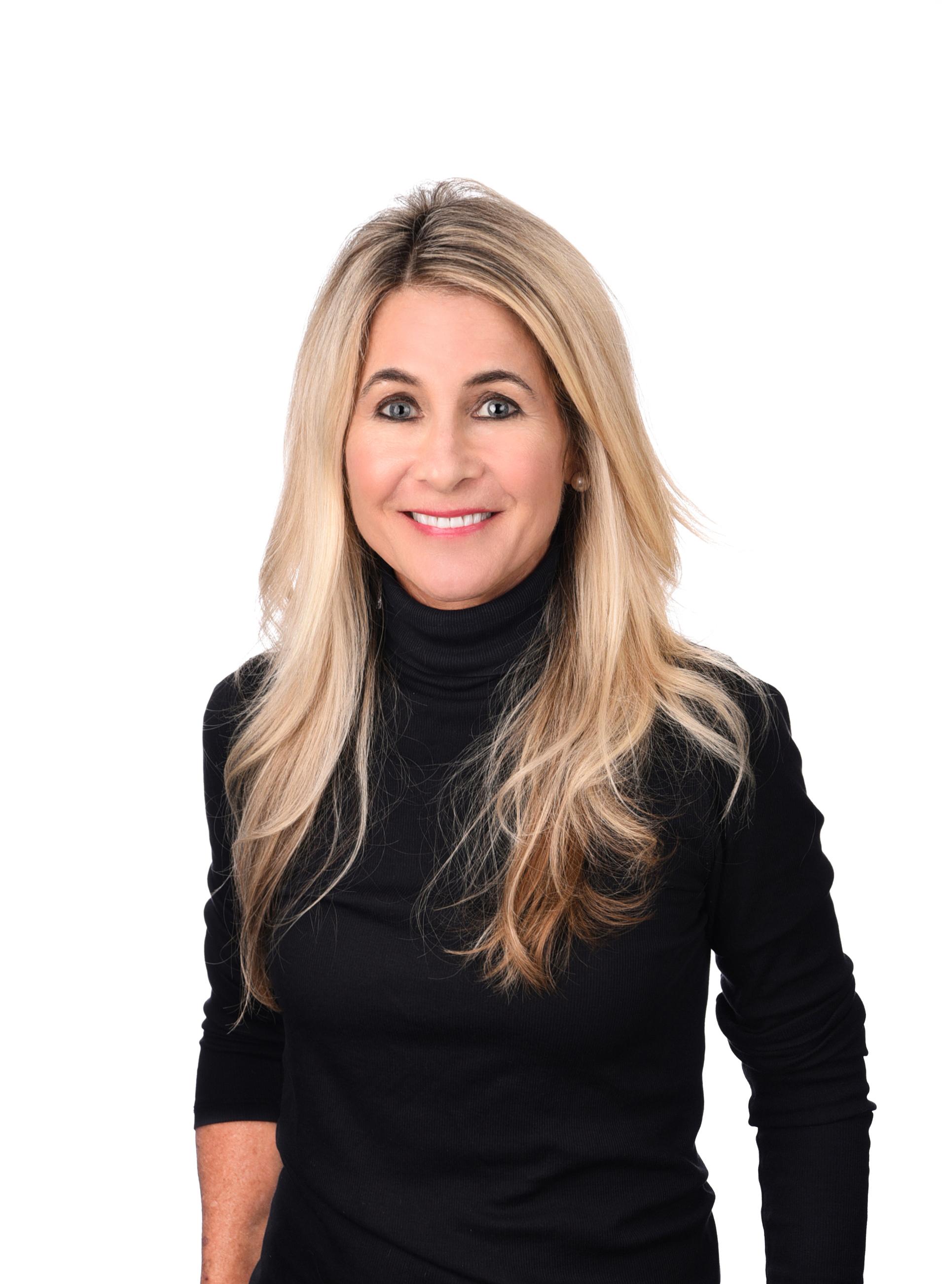 Julie Dunbar Tag Team - Berkshire Hathaway Home Services Ambassador Real Estate
