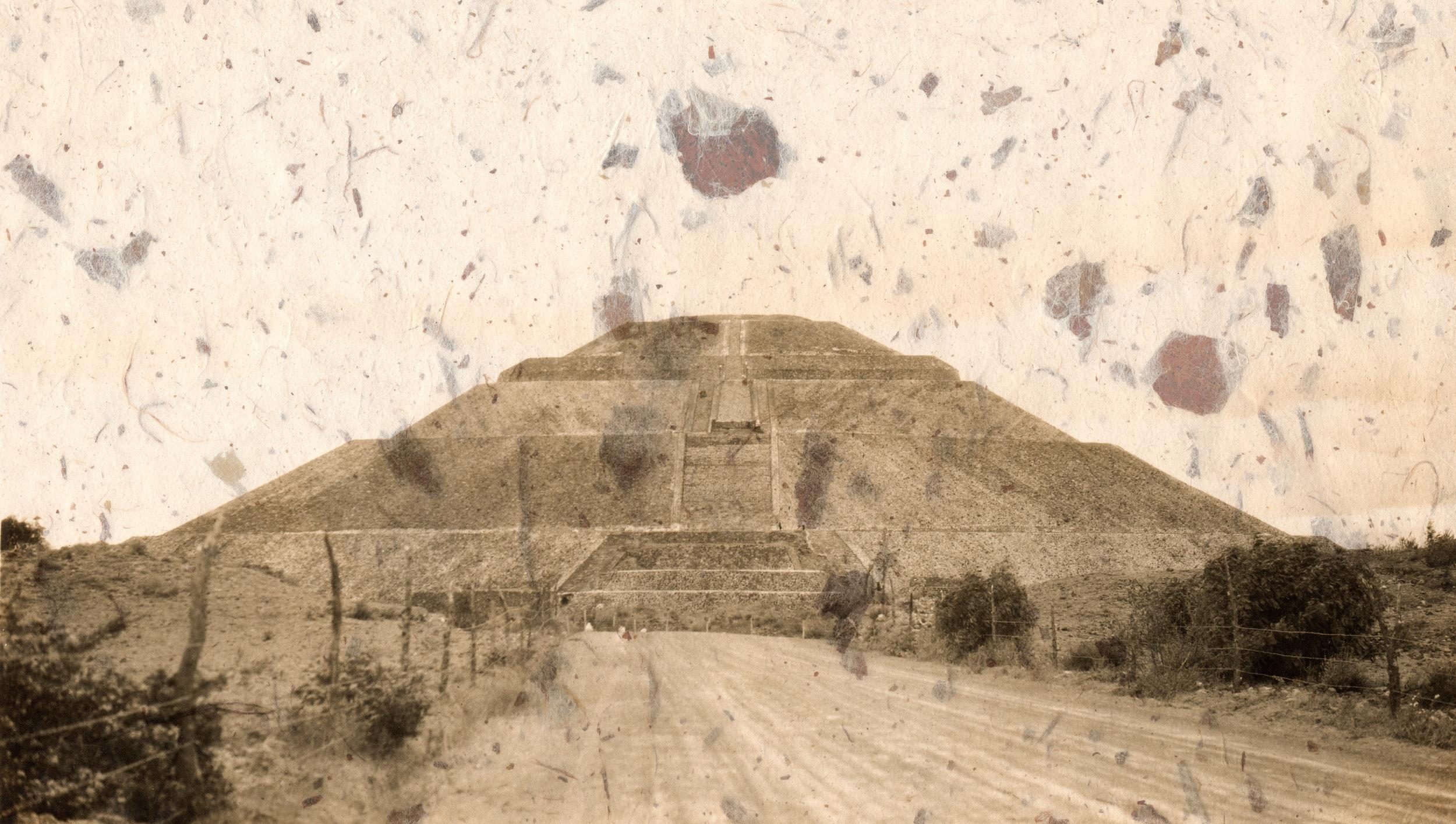 "Piedras aus ""Posthispánico Mexico"" |© Cristina Kahlo"
