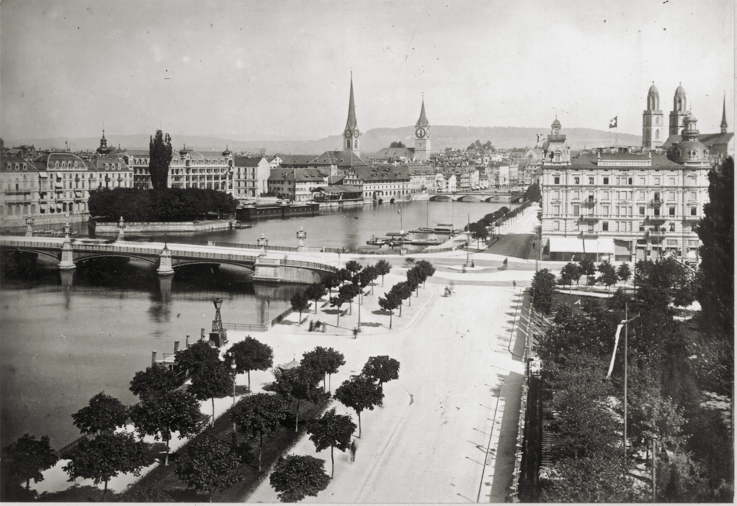 Blick auf das Utoquai, den Bellevueplatz und die Quaibrücke (Fotografie Baugeschichtliches Archiv 1896)
