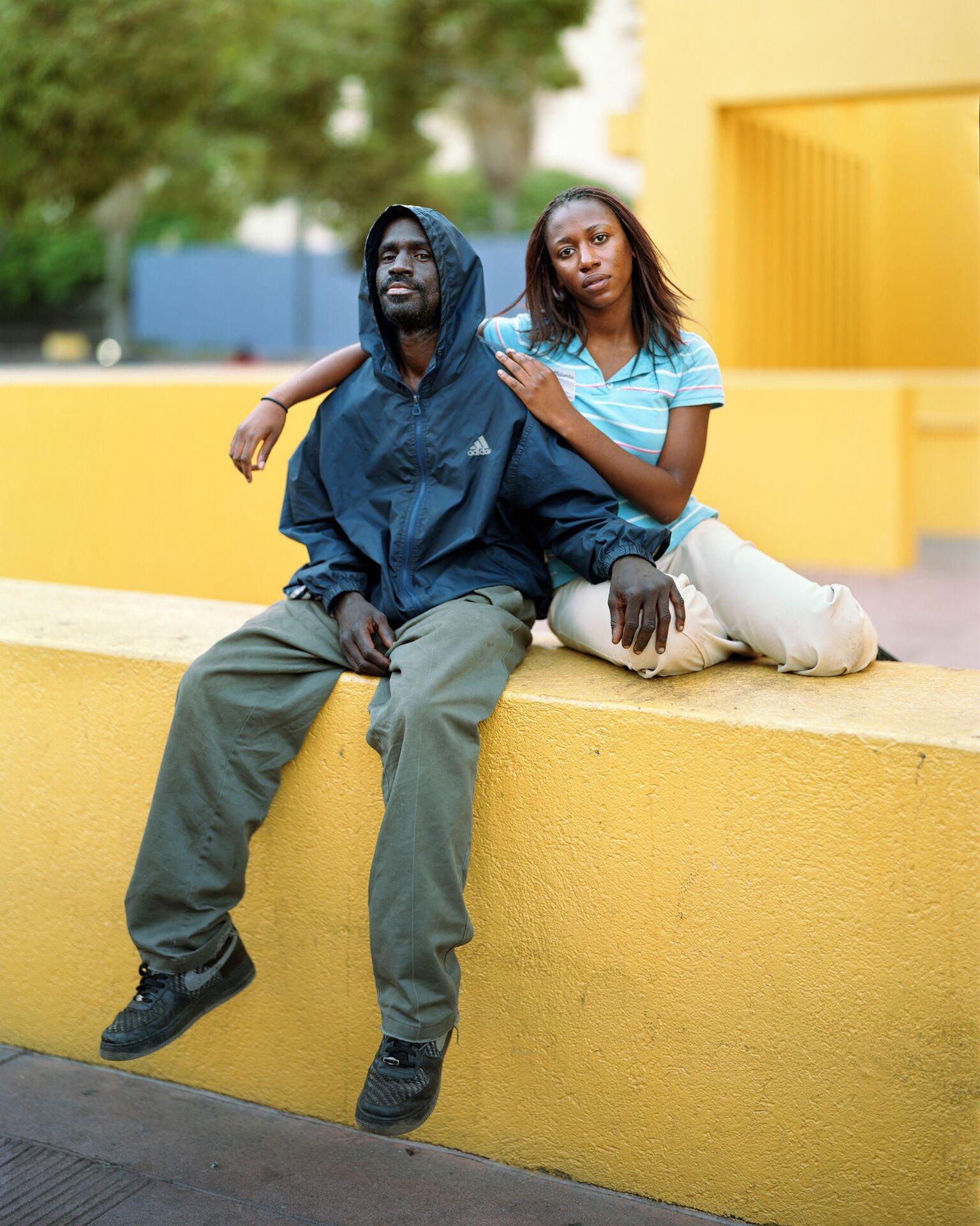Richard Renaldi Reginald and Nicole, Los Angeles, CA, 2007, de la série Touching Strangers.Courtesy of the artist
