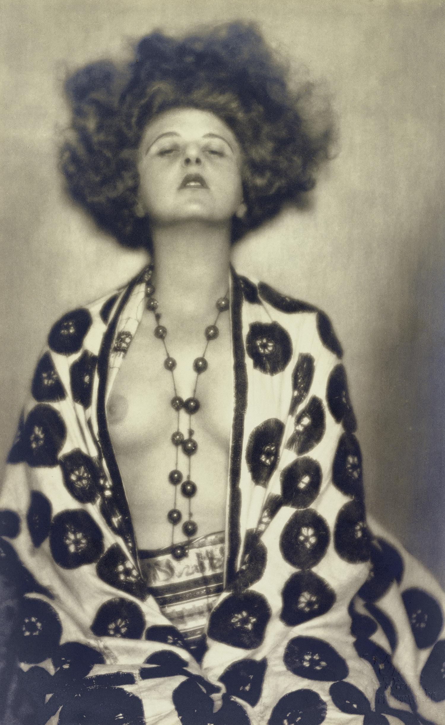 ATELIER D'ORA 1907–1957 | Elsie Altmann-Loos, 1922 Silbergelatineabzug | Photoarchiv Setzer-Tschiedel