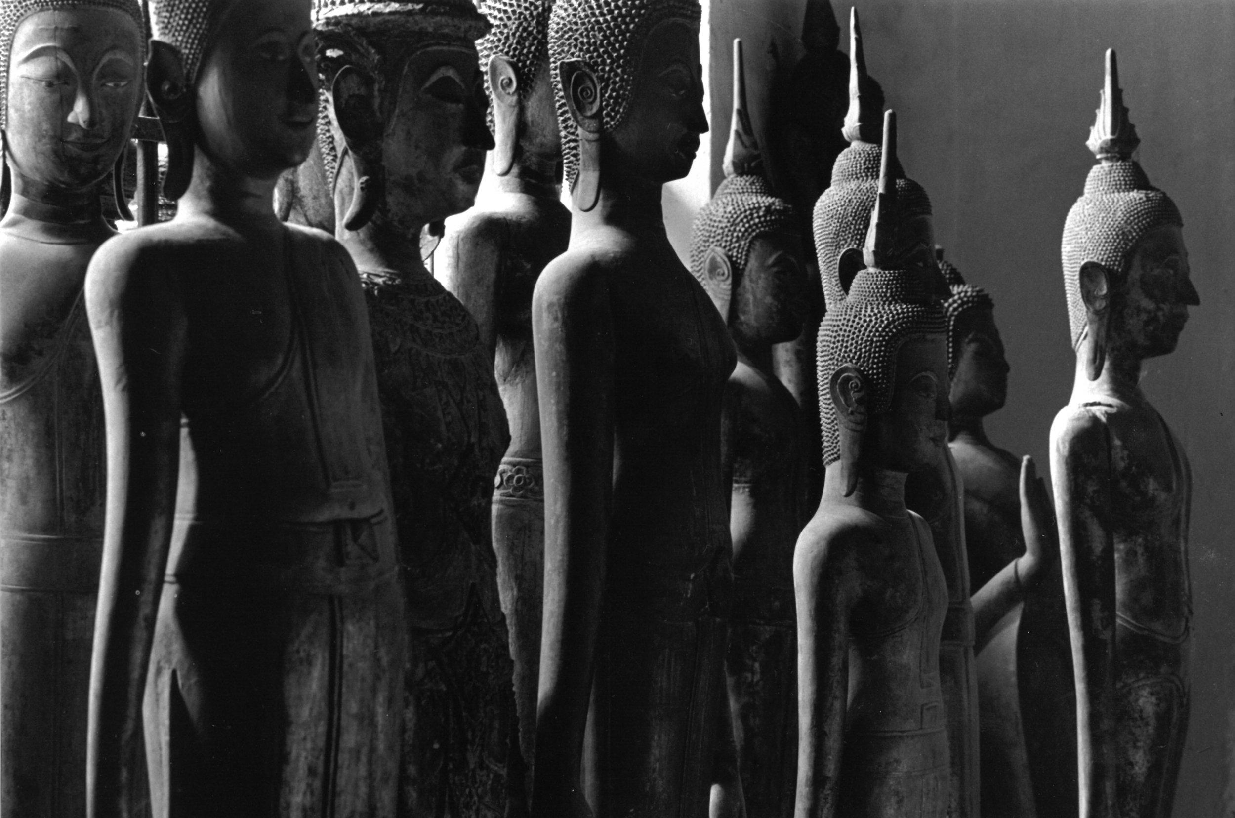 Vat Visoun, Luang Prabang, Laos de la série Asie du Sud-Est, à partir de 1995 Photographie argentique, coll. privée © Ayants droits