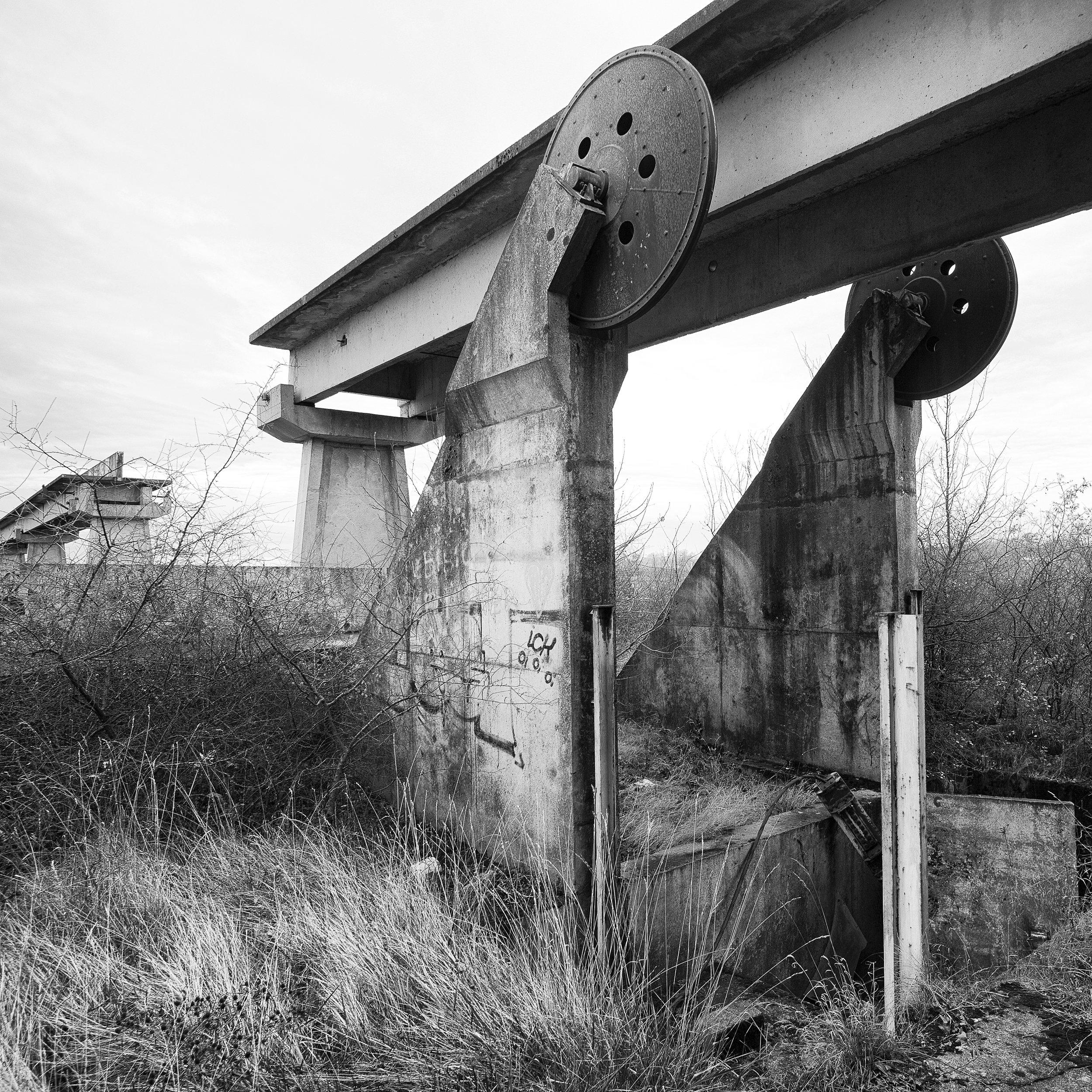 6 Viaduc, entrée de la gare de retournement LDD EXPO FERRARI  ART GALLERY.jpg