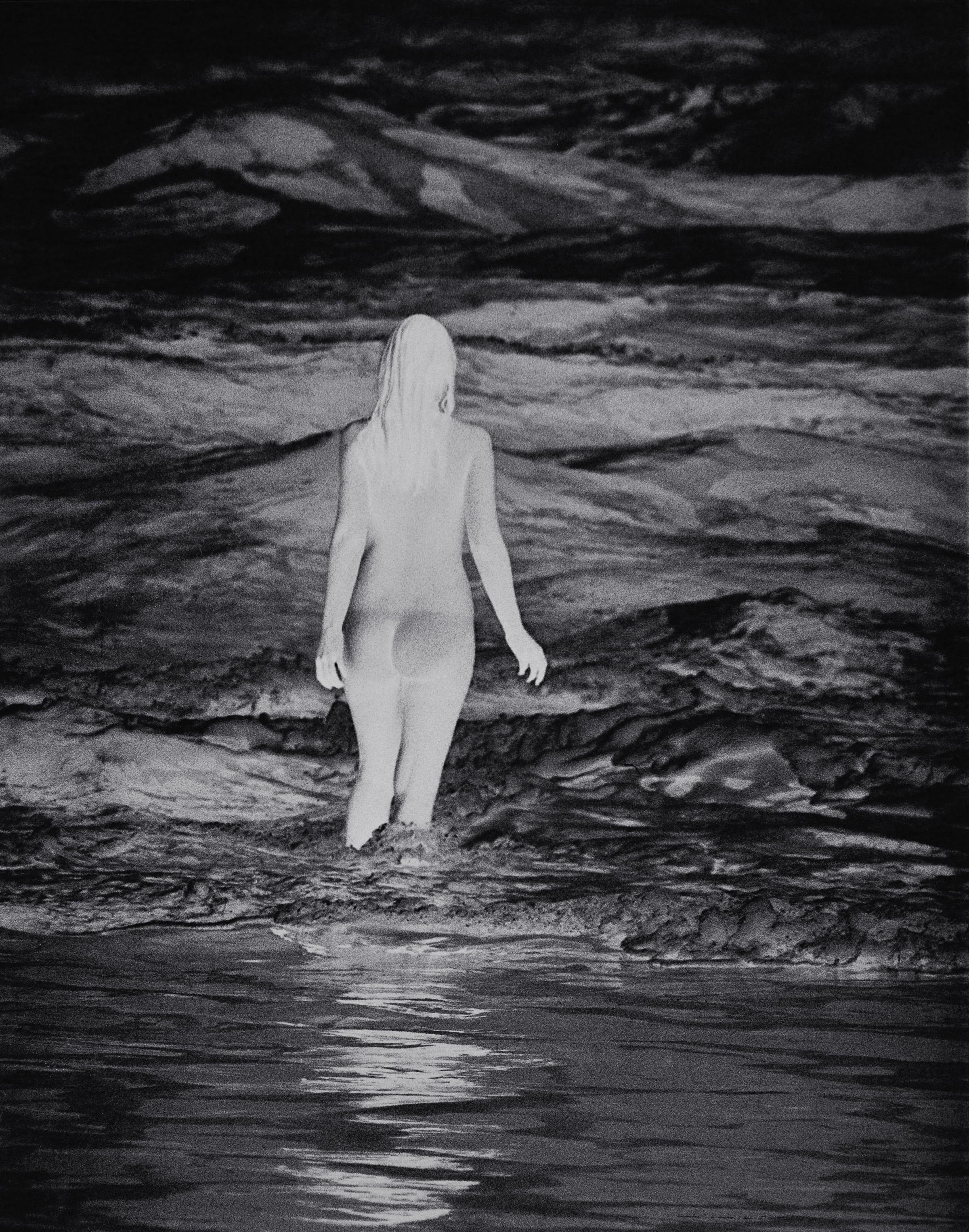 Anne Collier, Negative (California), 2013 © Anne Collier; Courtesy of the artist; Anton Kern Gallery, New York; Galerie Neu, Berlin; and The Modern Institute/Toby Webster Ltd., Glasgow
