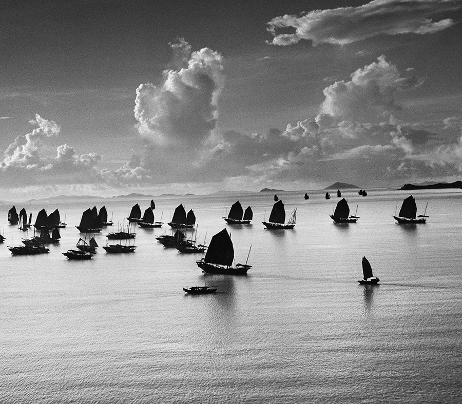 Werner Bischof, Harbour of Kowloon, Hong Kong, 1952, Platinum-Palladium-Print, Edition of 5 & 2 AP, 56 x 76 cm, signed and stamped by Estate