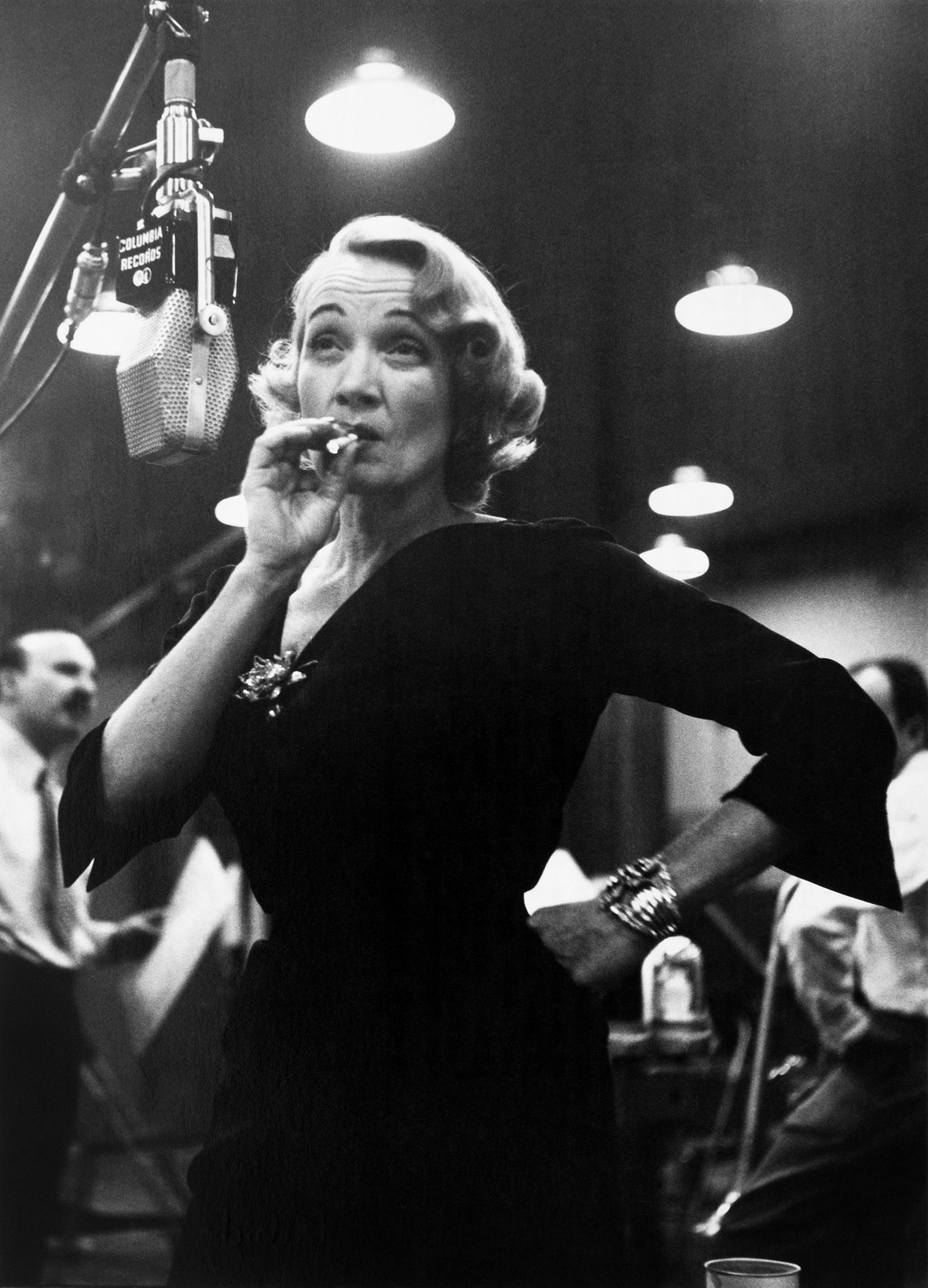 Marlene Dietrich at Columbia records studios, New York, USA, 1952 | © Eve Arnold / Magnum Photos
