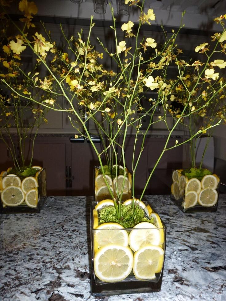 - Sliced lemons offer a fresh citrus aroma.