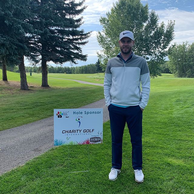 Huge thank you to @wilsonyegre from @thecharitygolf for coming out and supporting Puttin' Fore Paws!🏌🏼‍♂️#PFP2019 #YEG #YEGGOLF