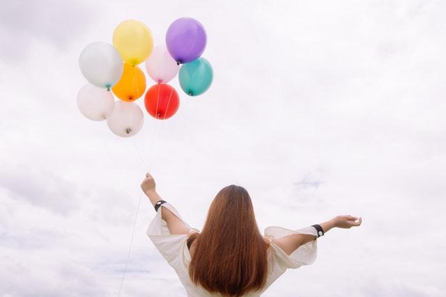 balloons-colorful-daylight-887824.jpg