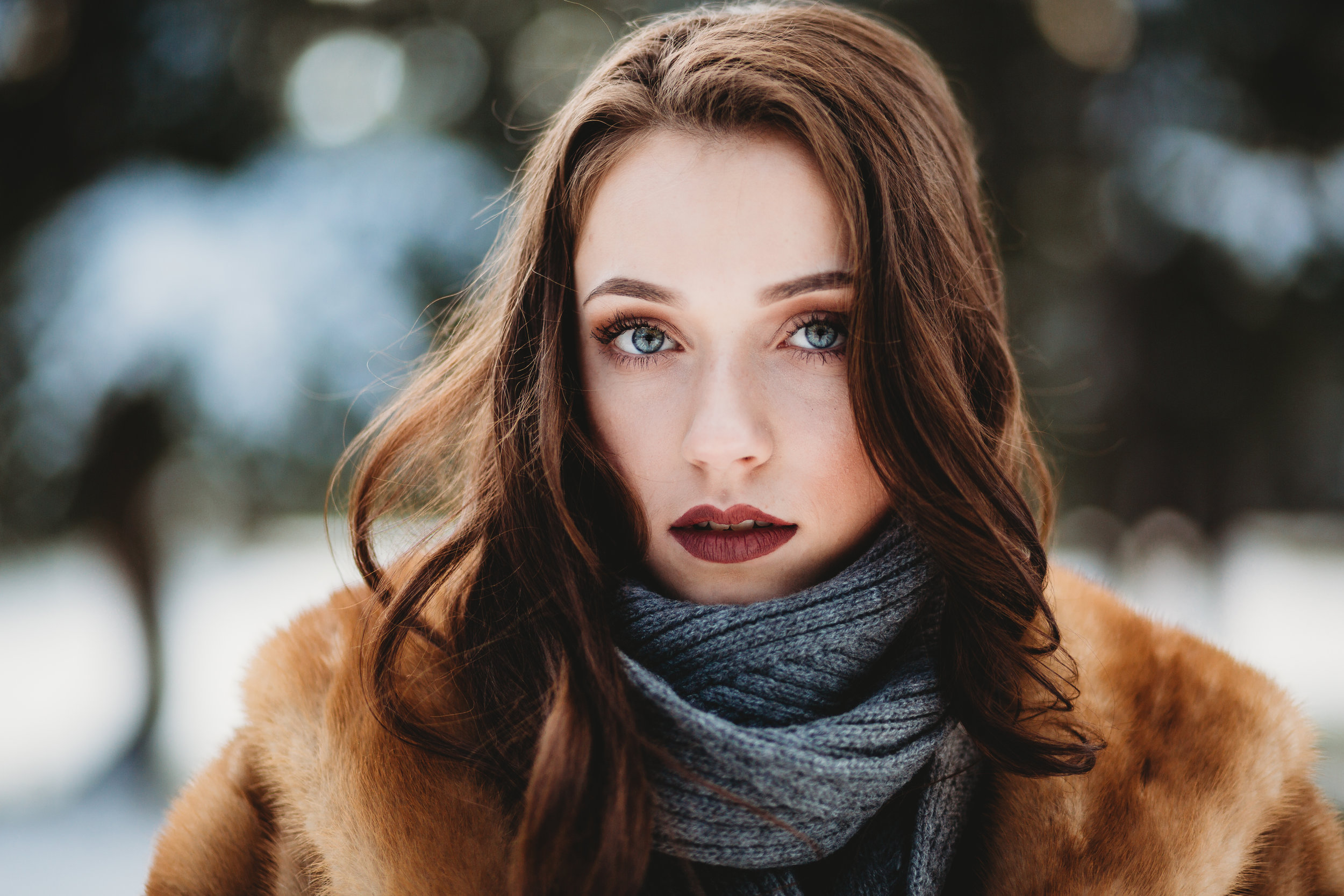 snow-senior-photograhy-pose-fashion-puyallup-wa.jpg
