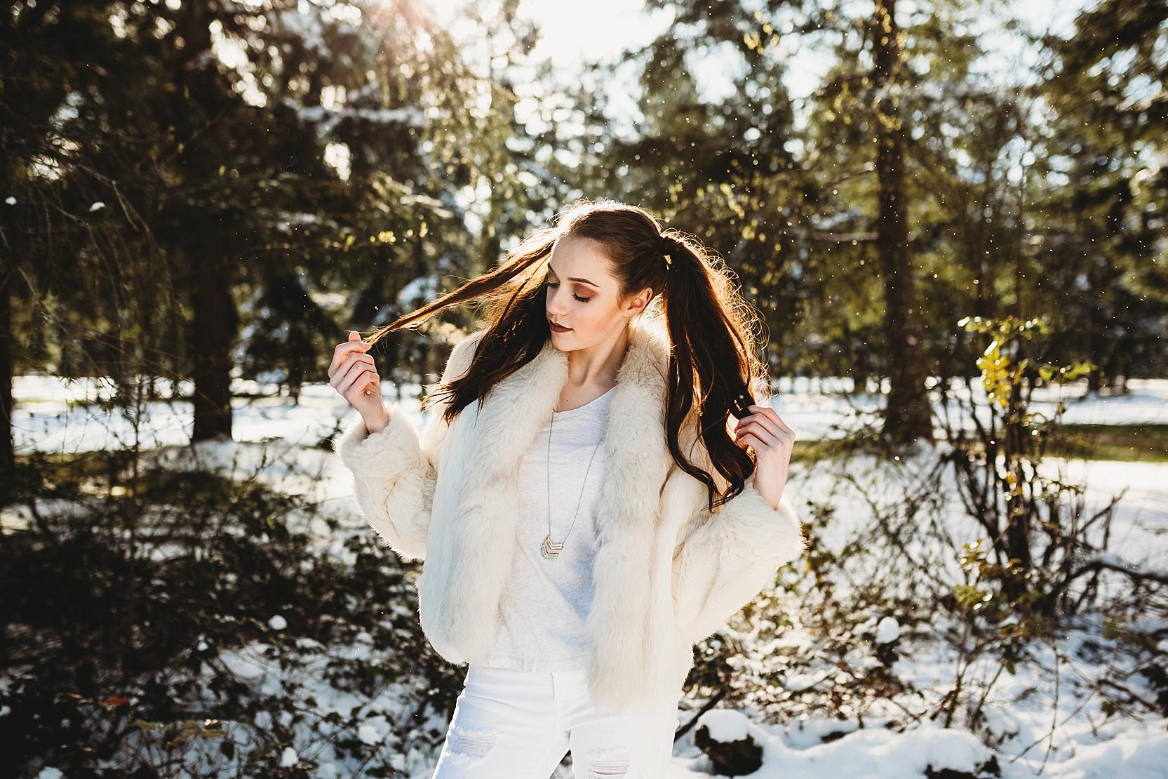 Puyallup-senior-photographer-snow-2019