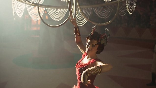 Fig. 2 - Eva Green as French trapeze artist Colette Marchant in  Dumbo .