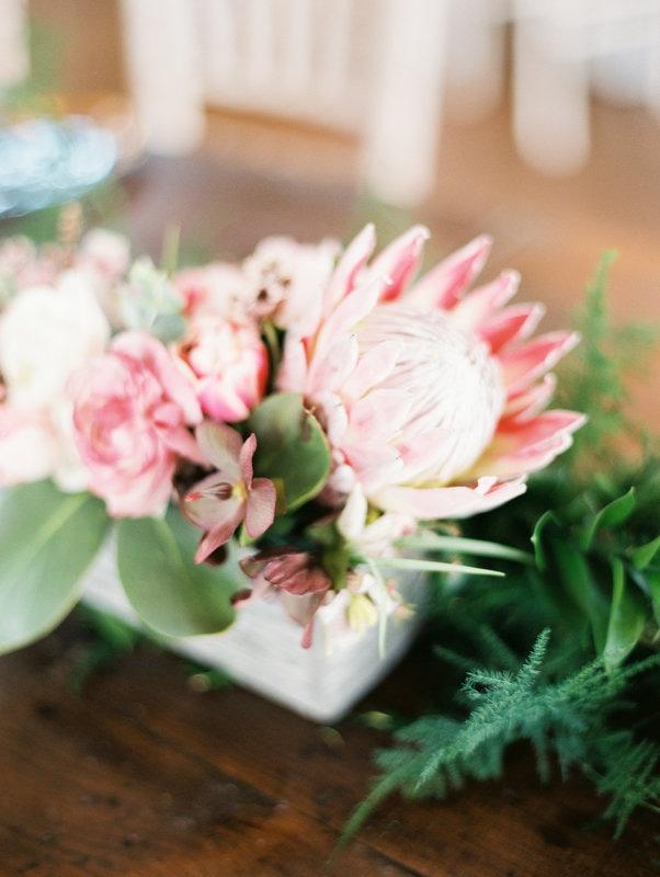 light flower decoration.jpg