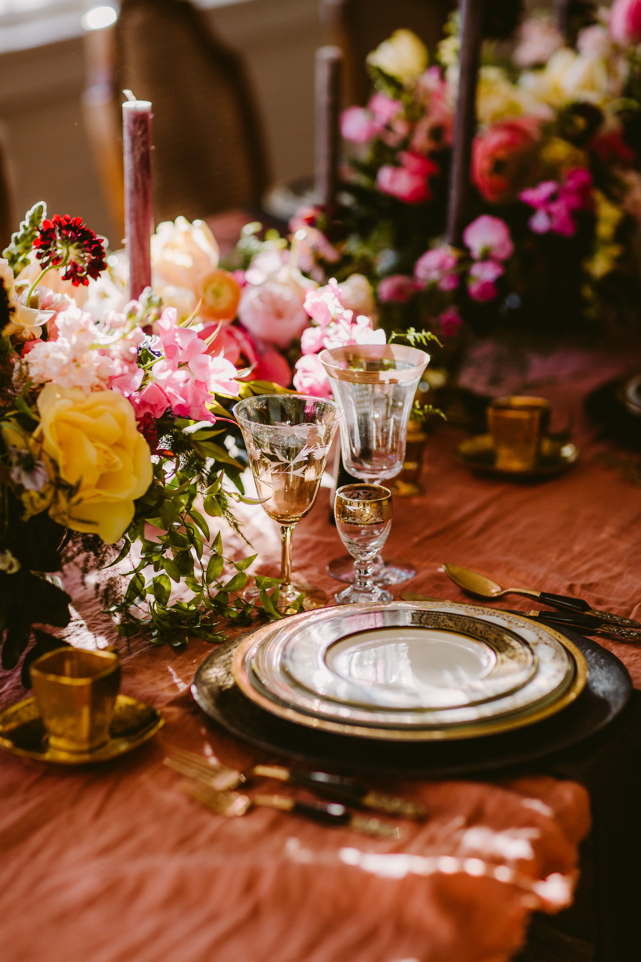 centerpiece_tablescape_organic_colorful_mississippi_wedding