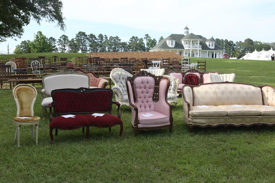 john-luke-mary-kate-duck-dynasty-wedding-luxury-planners-outdoor-louisiana-vintage-chairs