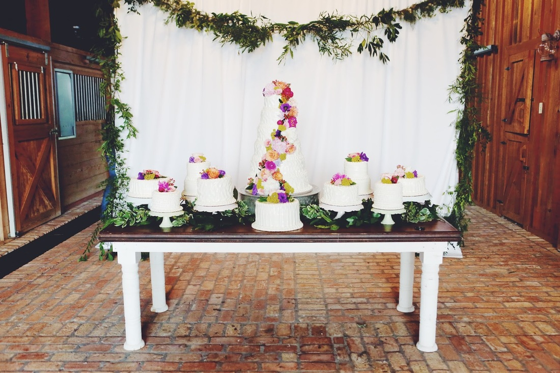 wedding cake with floral decoration.jpg