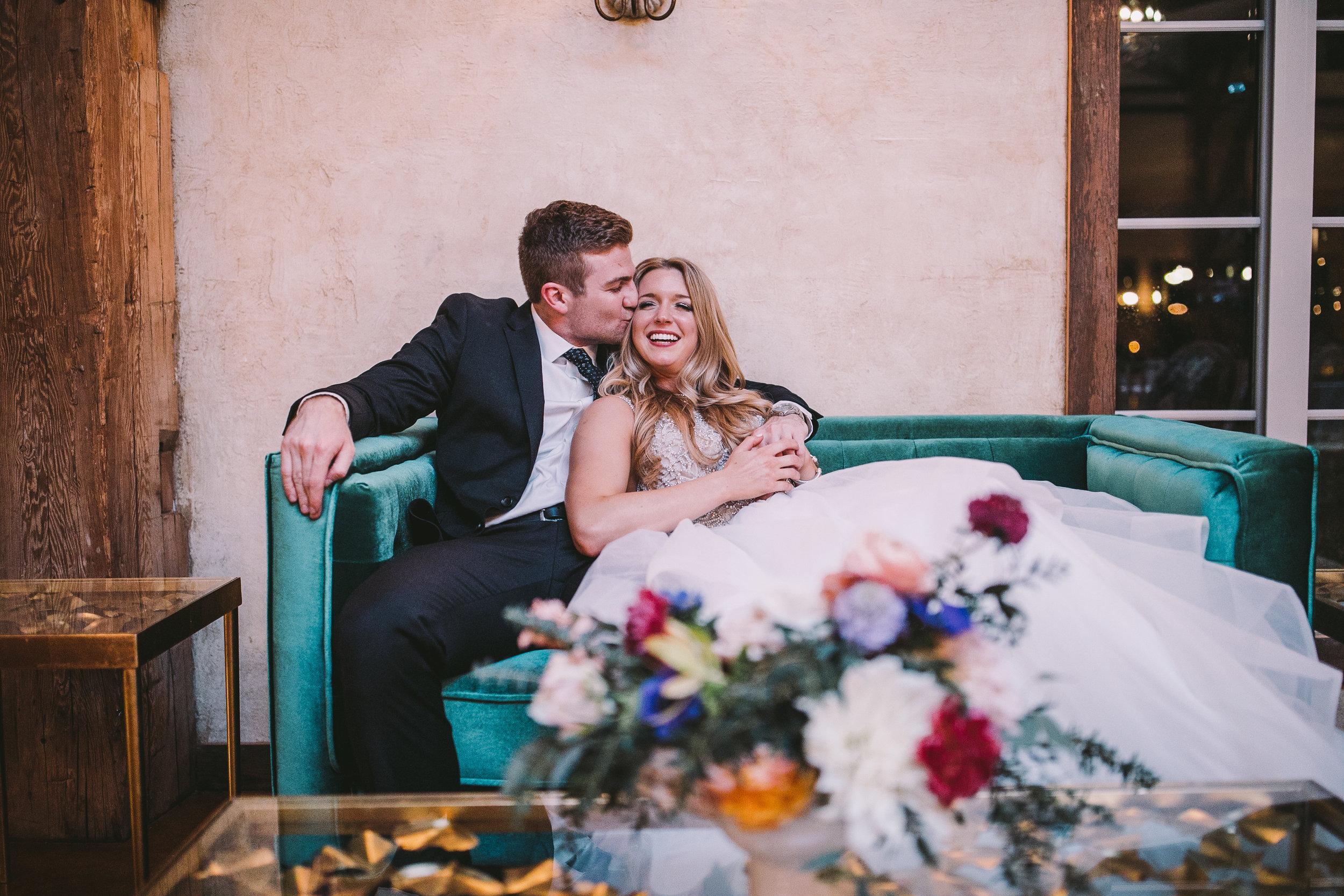 bohemian-mississippi-vintage-settee-luxury-wedding
