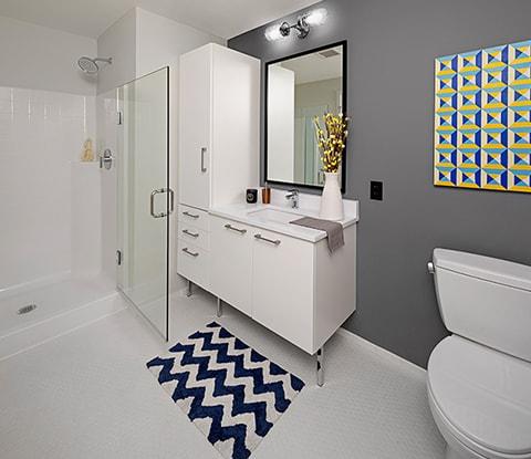 amenities-features-bathroom-sm.jpg