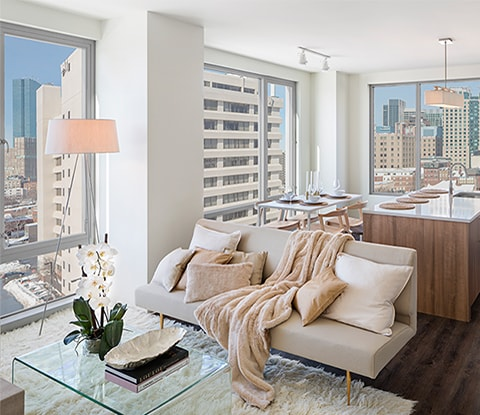 amenities-features-livingroom-sm.jpg