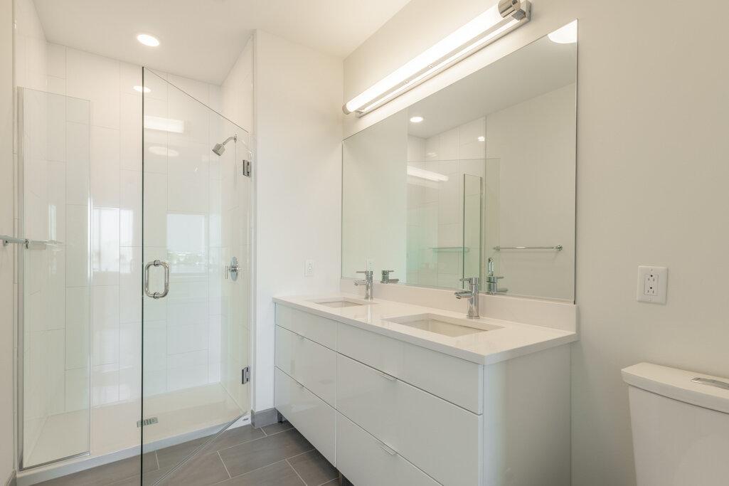15_Bathroom--4.jpg