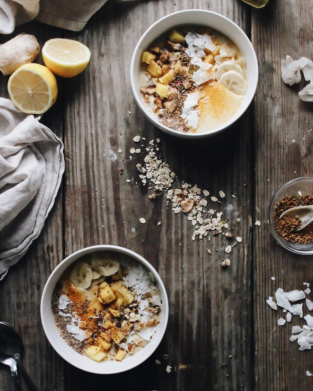 PEACH OAT SMOOTHIE BOWL - Activate your Sacral Chakra