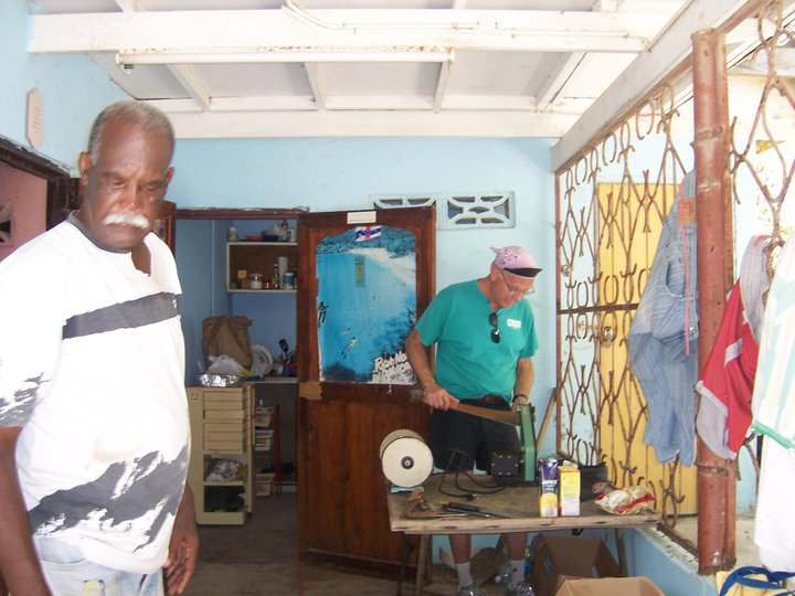 Sharpening for fish, Curacao