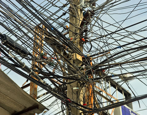 messy_wires.jpg
