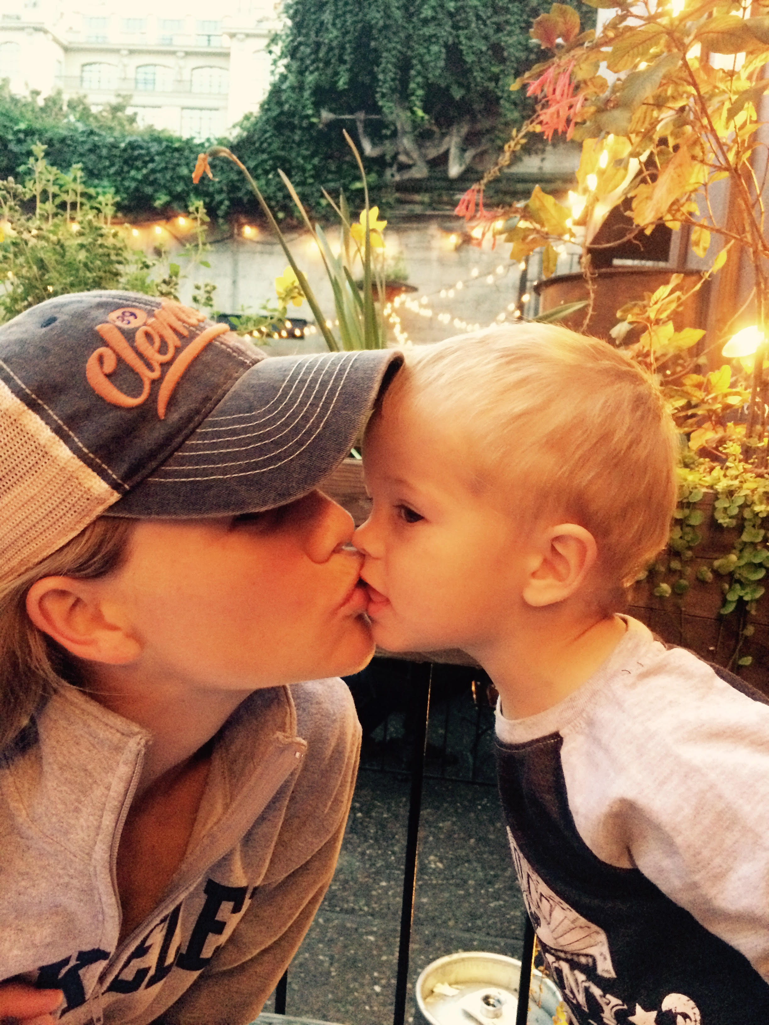 Henry Kiss Ang.jpg