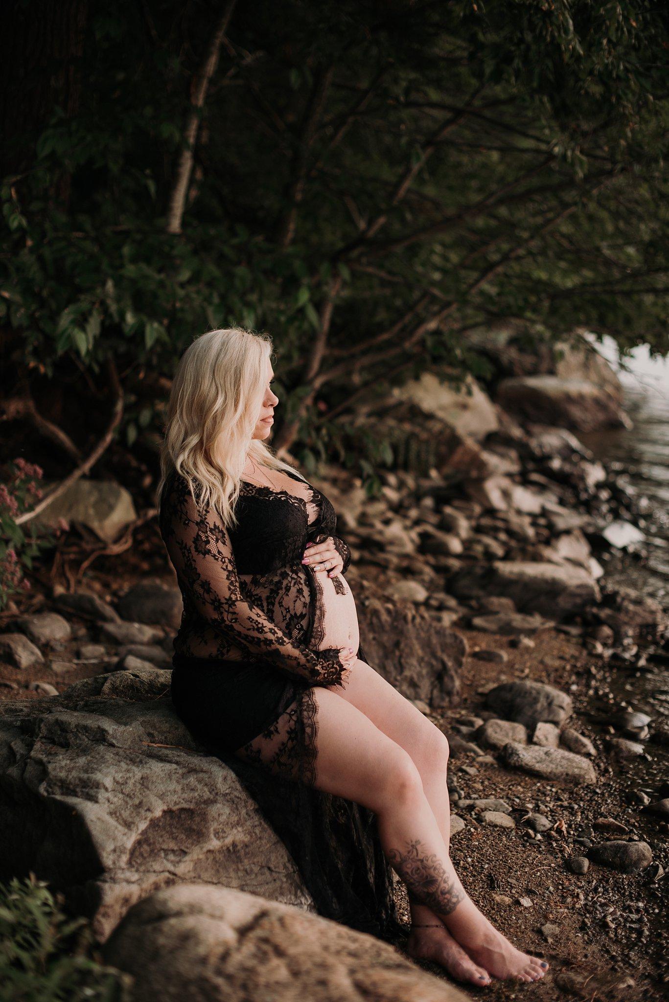 Boudoir Maternity Photography-Boudoir Maternity Portrait-Ria MacKenzie Photography-1.jpg