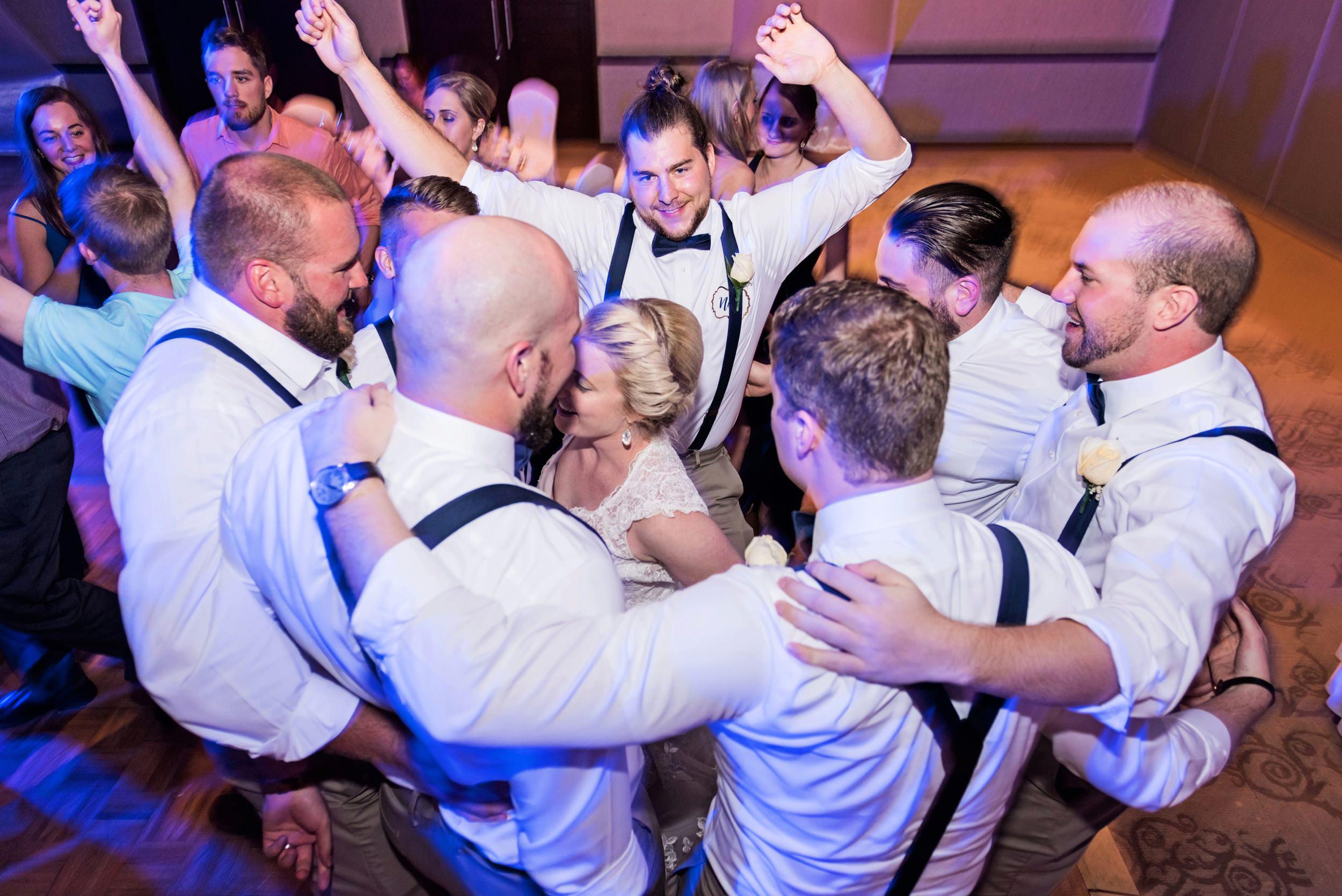 2018-Real-Wedding-Amber-Dustin-Rotella-Photography_0275.jpg
