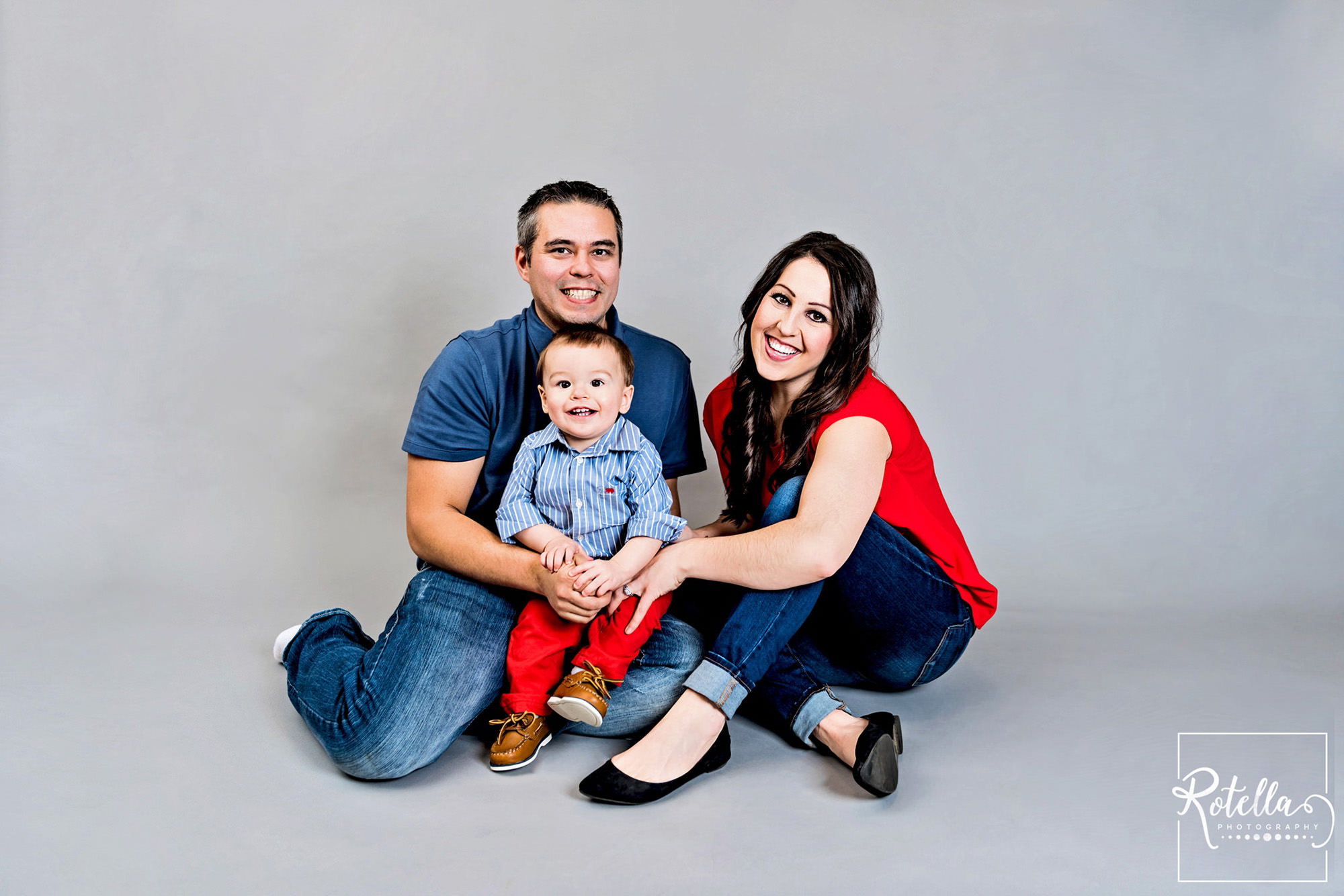 Rotella Photography Family Picture on grey backdrop in studio