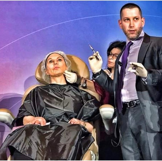 Dr. Retief had a great time and learned a lot of new tricks at the American College of Cosmetic Surgery Meeting in Orlando over the weekend.  Photo here of Jason Emer MD giving everyone some pearls!  #americancollegeofcosmeticsurgery #cosmeticsurgery #cme #newyearnewskin #nonsurgicalfacelift #retiefskincenter #beautifulskin #realresults