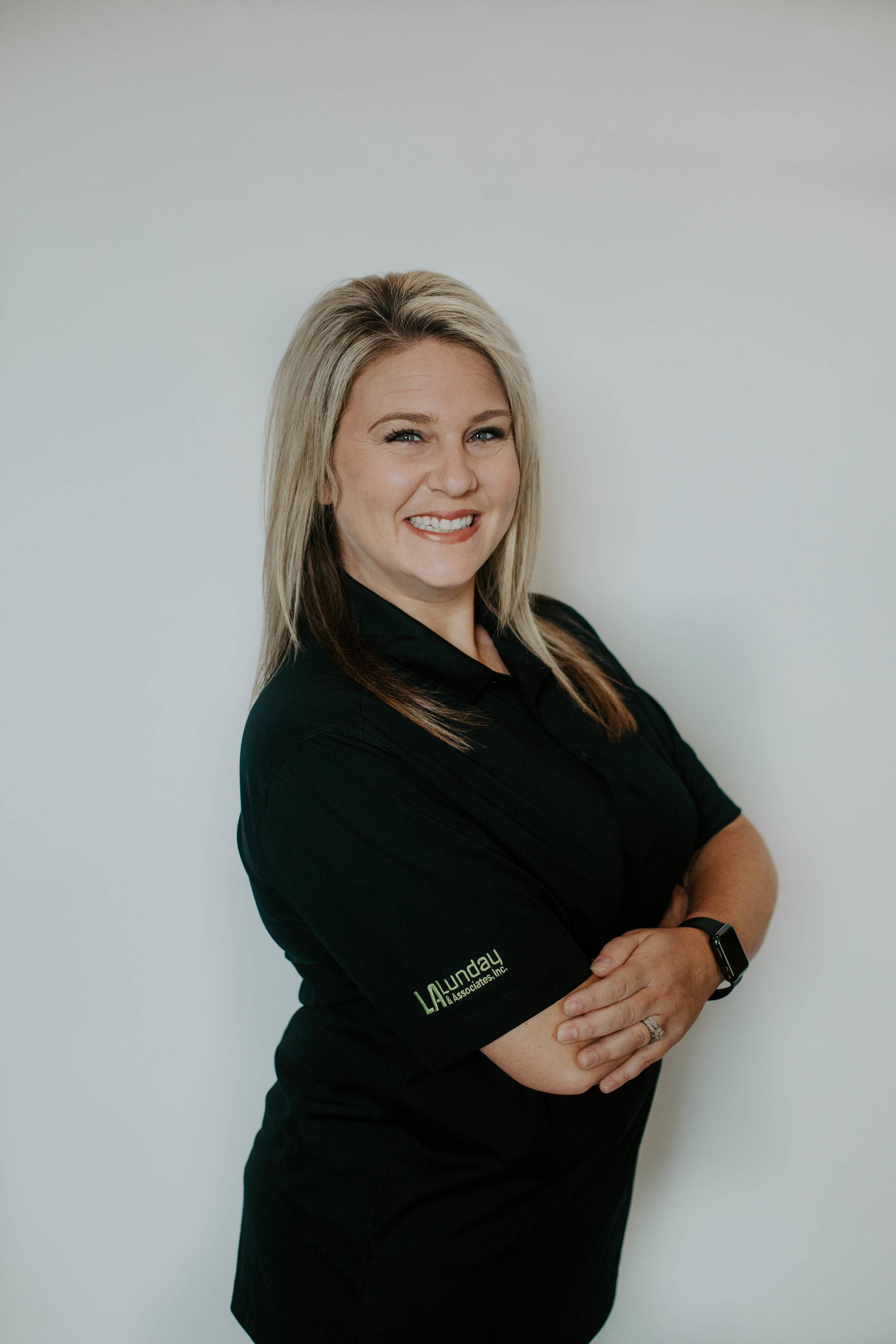 Lynley Bellomy    Inside Sales