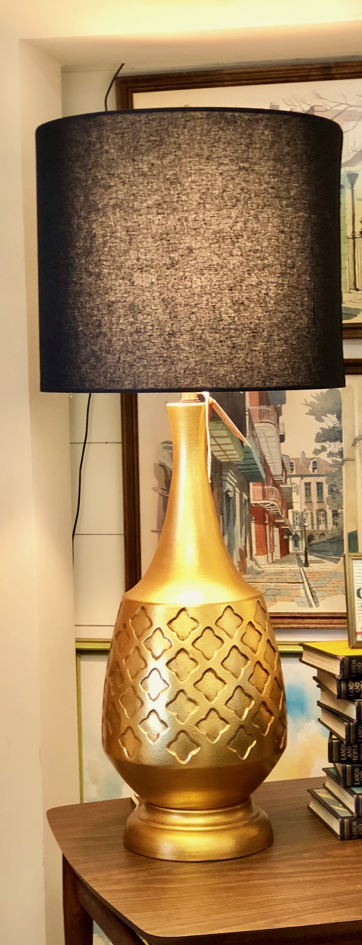 Combine this brilliant lamp with azure accessories for a striking statement.