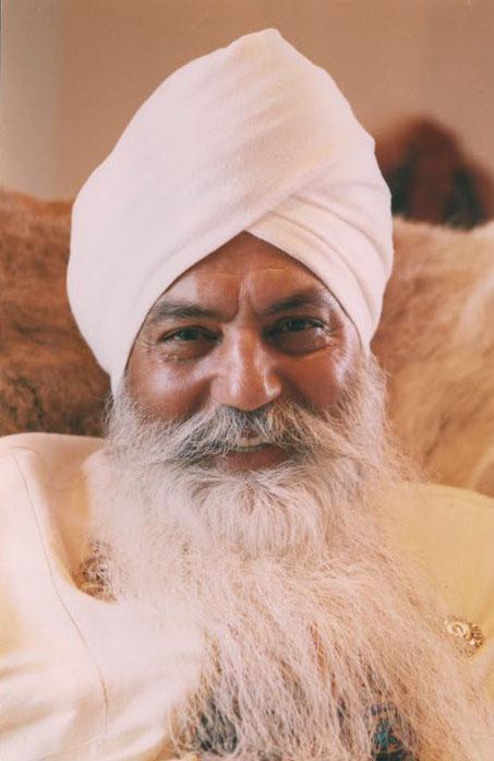 who-is-yogi-bhajan_website.jpg