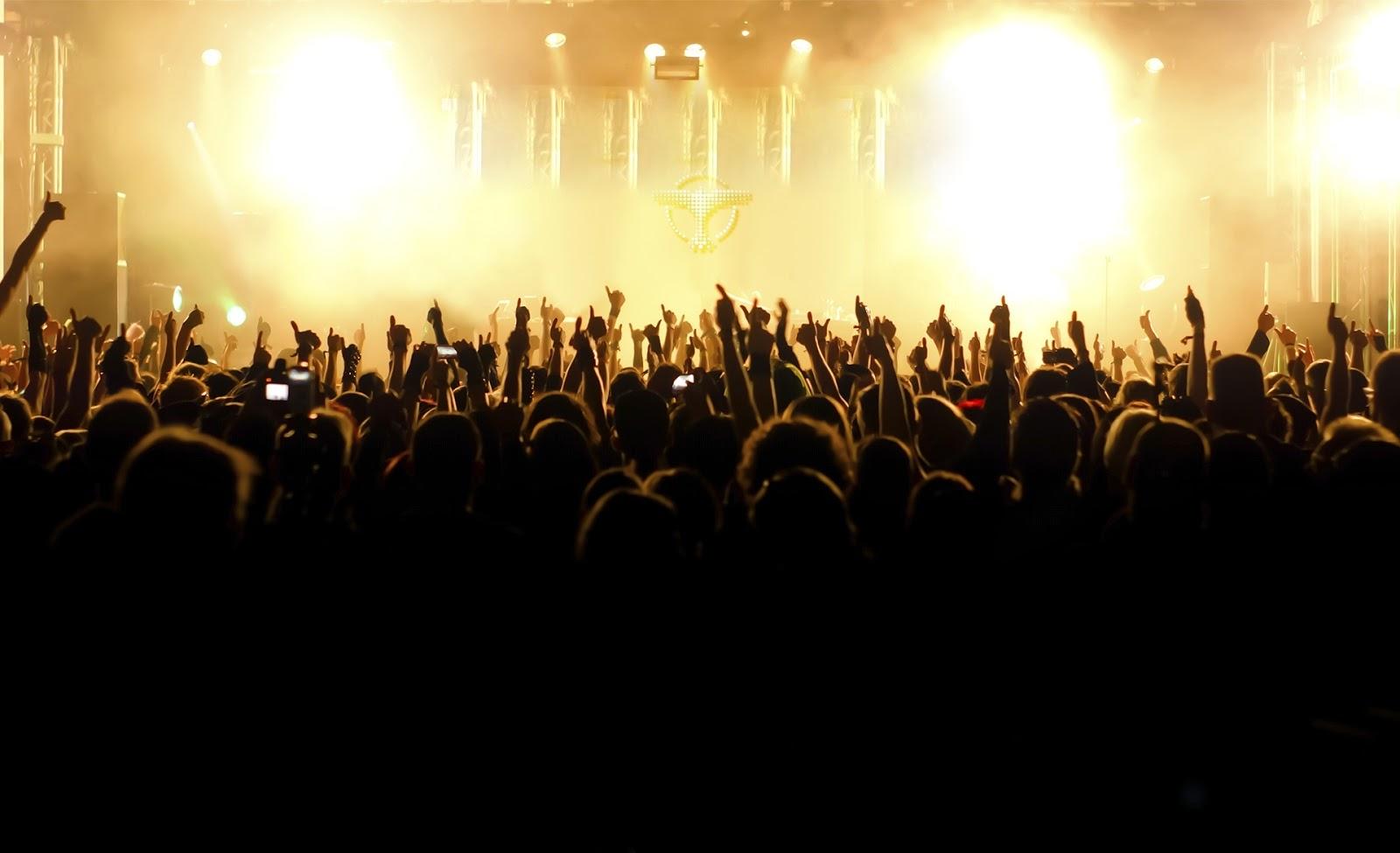 http://www.hercampus.com/sites/default/files/2013/11/20/hd-wallpapers-tiesto-concert-1600x975-wallpaper.jpg