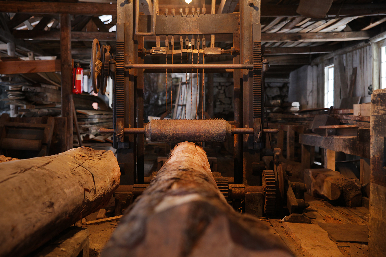 Rammesagen. Sagbruket var ikke det største på Sørlandet, men det som kunne sage de lengste tømmerstokkene, helt opp til 14 meter.