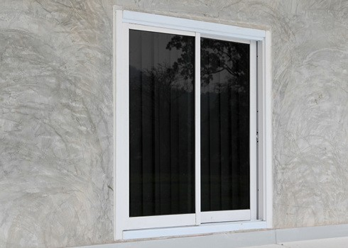 SINGLE & DOUBLE SLIDER - If you prefer slider windows, Canada Windows & Doors manufactures one of the most easy to operate and energy efficient slider windows in the industry. Maintenance – free, any size and easy removal for cleaning from inside the home.