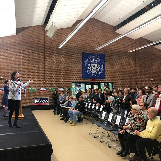 Thanks to @corybooker for joining me at a @nhyoungdems rally at UNH. Too many young people are leaving NH because they don't see opportunities -- that's got to change. I'll listen to young people and enact friendly public policies that encourage them to stay in our great state.