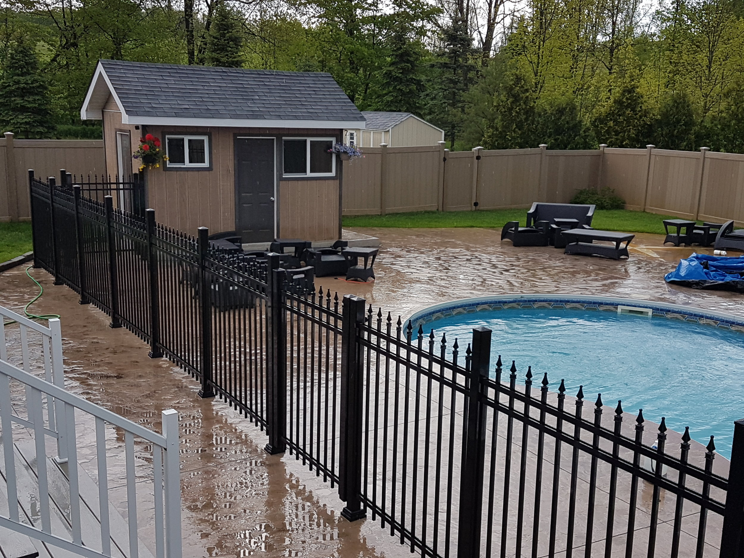 5' Height Black Picket Aluminum Fence With Finials & Double Gate