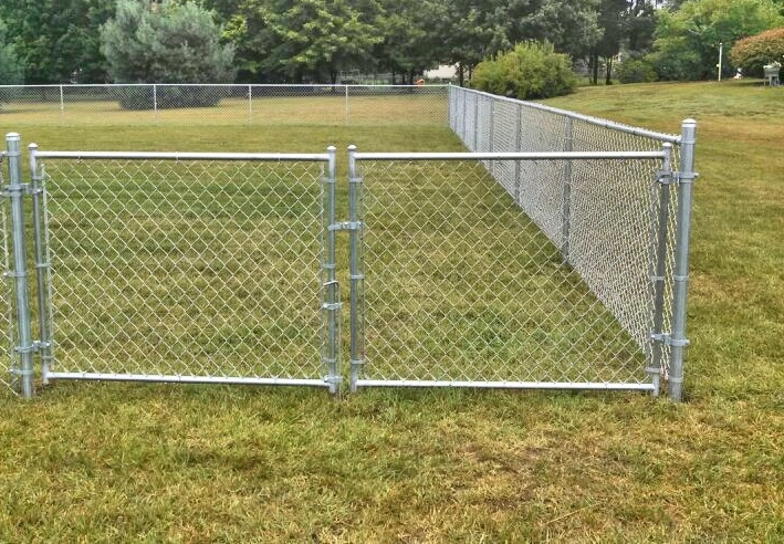 Galvanized Chain-Link Fence With Top and Bottom & Tension Bars