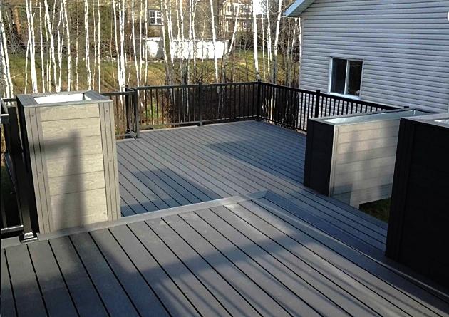 Composite Decks Toronto -Zero Maintenance Light Grey Deck